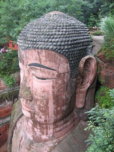 gran buda leshan china estatua