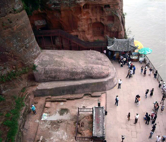 gran buda leshan china pie