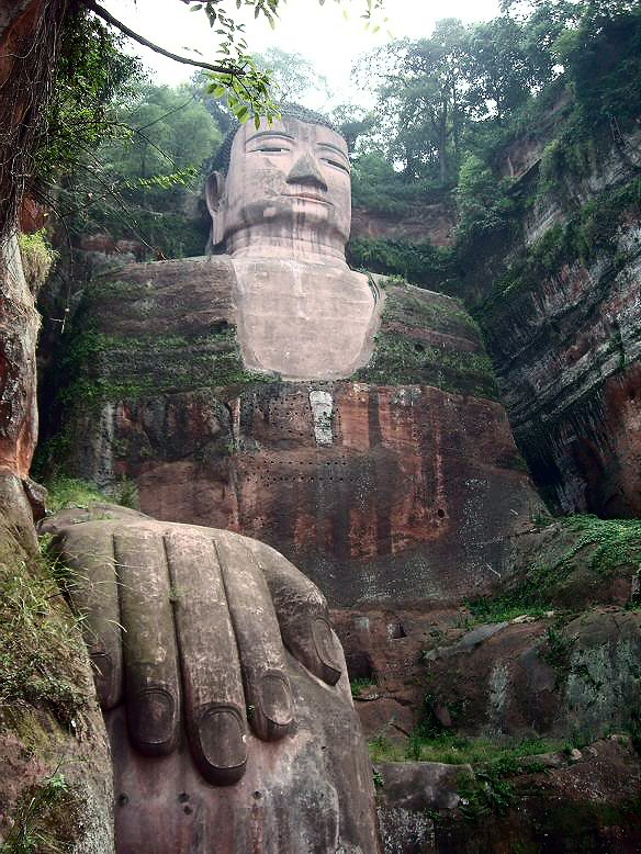 gran estatua buda leshan china