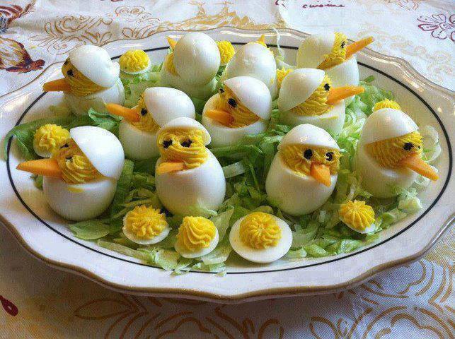 arte huevos cocidos plato