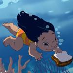 Alimentando peces con Lilo y Stitch