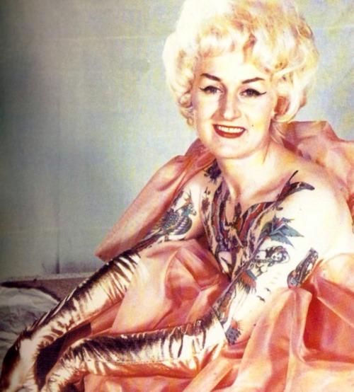 Cindy Ray tatuajes