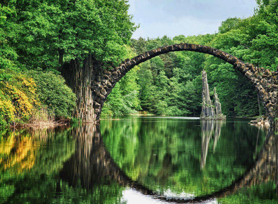 Rakotzbrücke Puente Parque Rhododendron