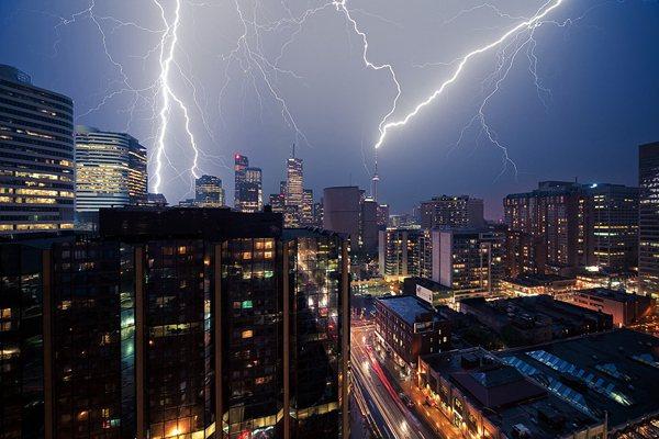 tormentas rayos Toronto