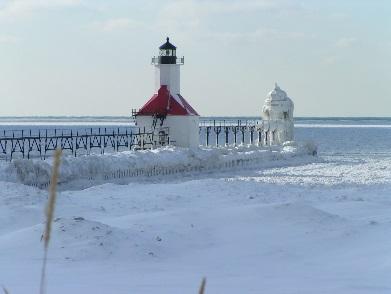 faro-congelado-North-Pier