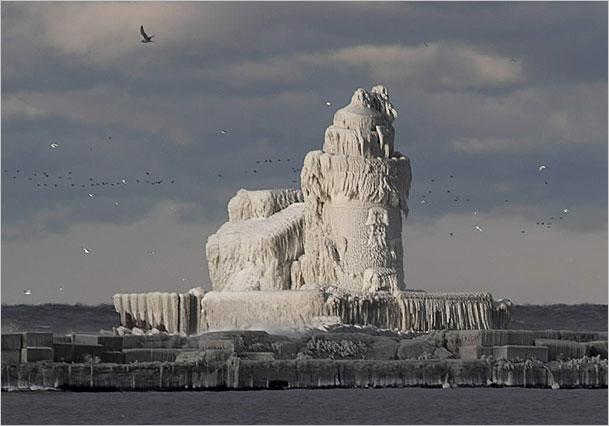 faro congelado lago Erie