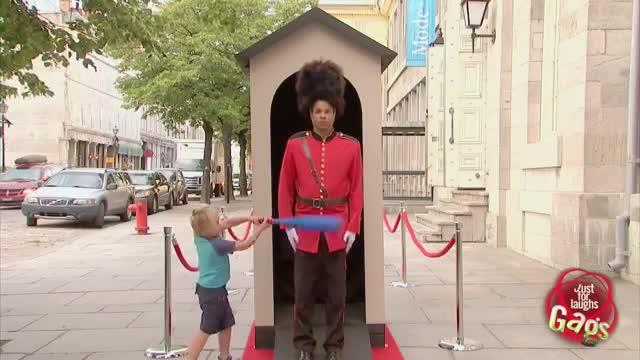 broma soldado guardia inglesa