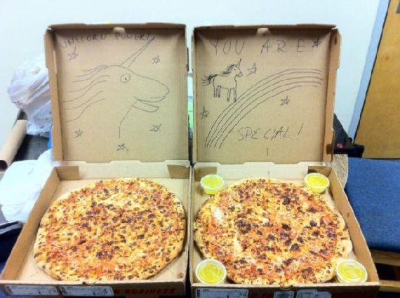 cajas pizza humor 01