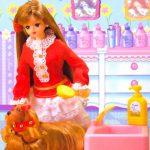 Juego con el puzzle de Barbie peluquera