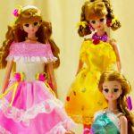 Juego con el rompecabezas de Barbie y sus amigas