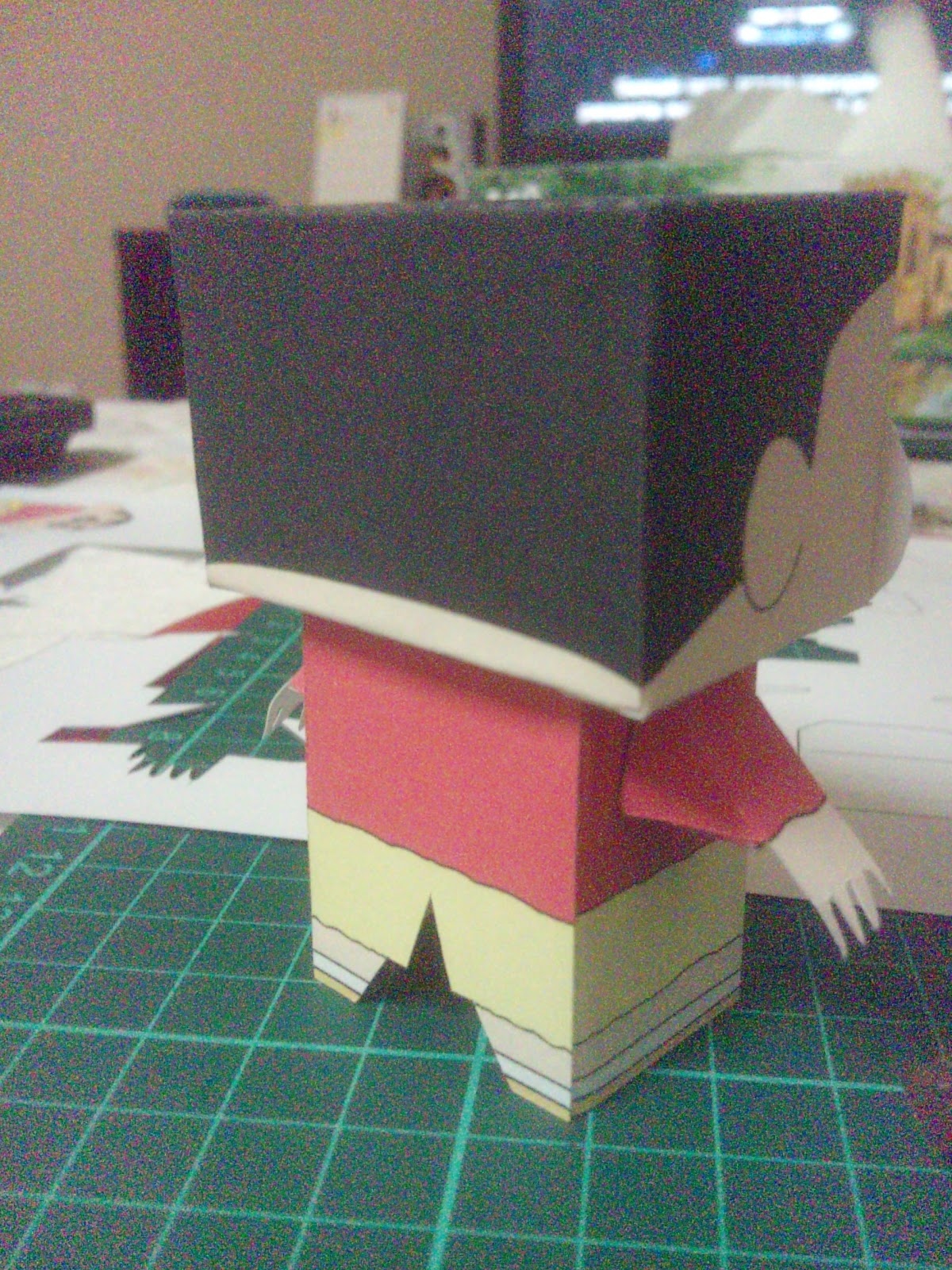 shin chan muneco papel
