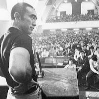Yukio Mishima lider