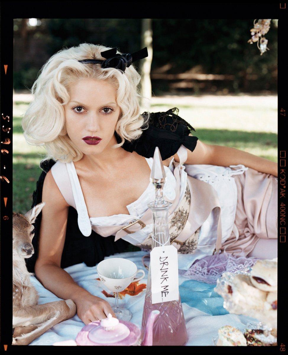 Gwen Stefani alice wonderland 4