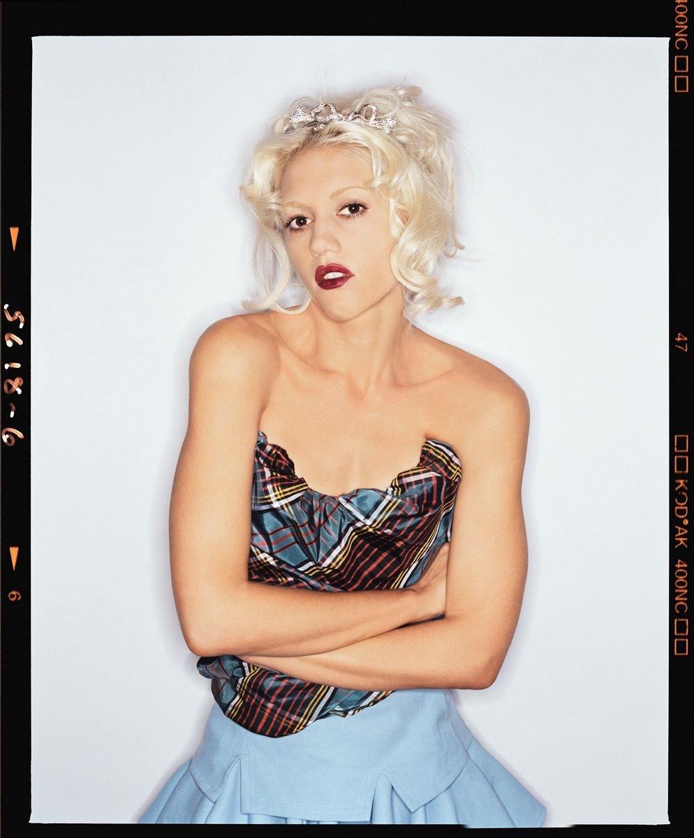 Gwen Stefani lorenzo agius 2