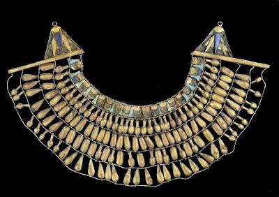 KV55 collar