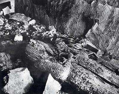 KV55 momia sarcofago