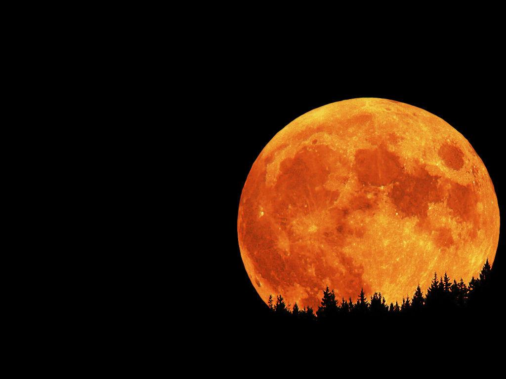 luna horizonte gigante