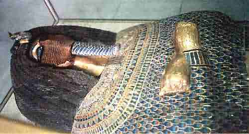 sarcofago tumba KV55
