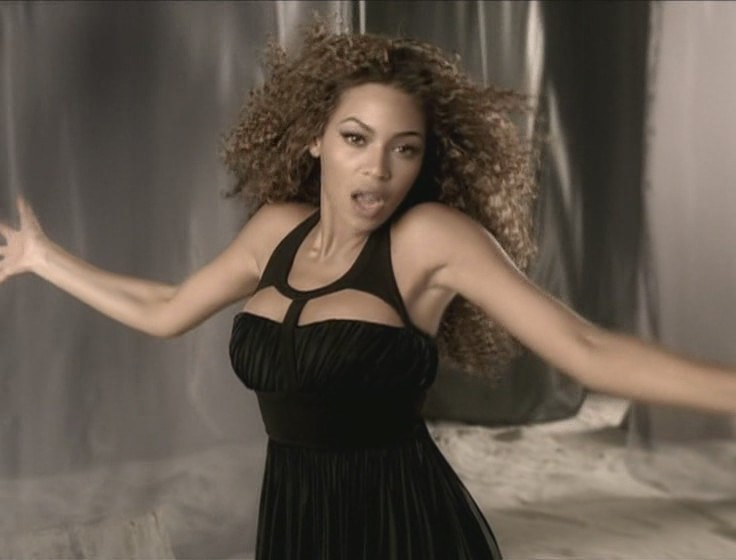 shakira beyonce beautiful liar video 10