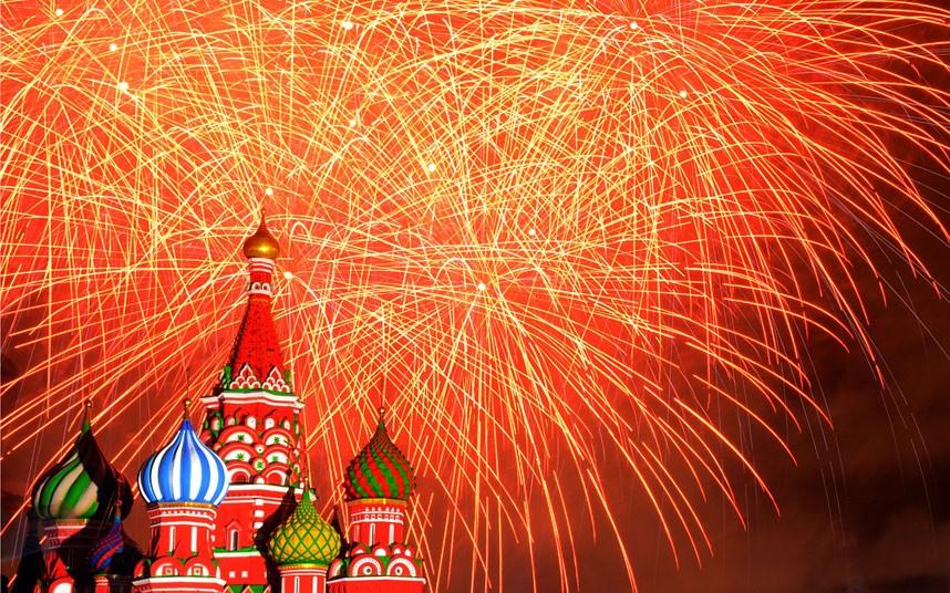 Fuegos artificiales Catedral San Basilio Rusia