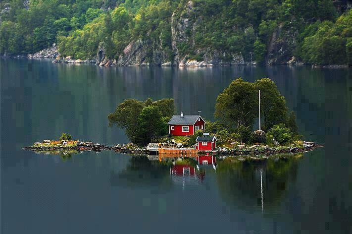 casita lago costa noruega
