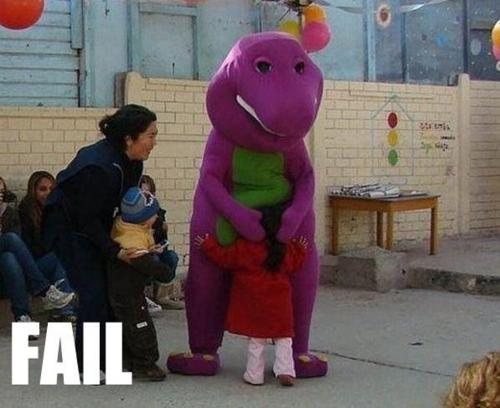 fails barney dinosaurio