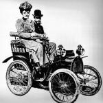 ¿Cuándo aparecieron los primeros coches con marcha atrás?