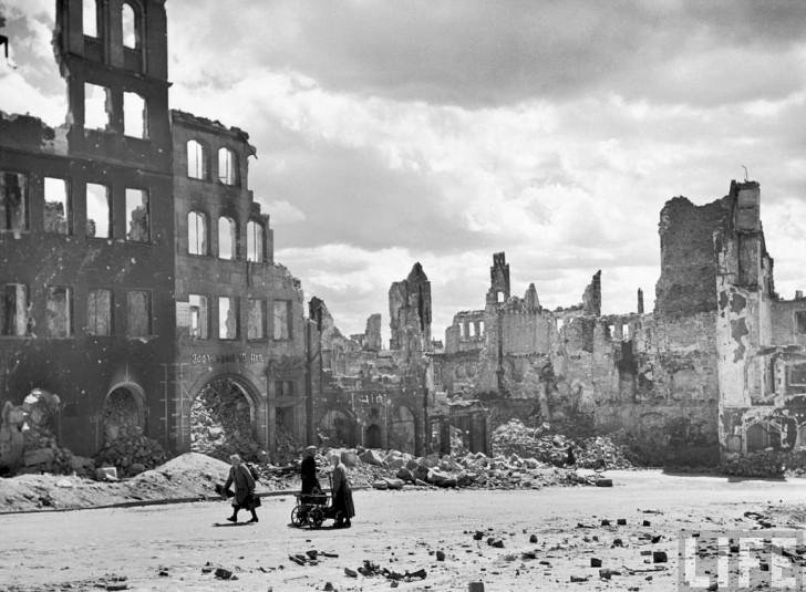 nuremberg bombardeada 1945