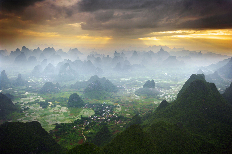 paisaje niebla Yangshuo china