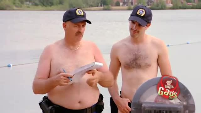 policias playa