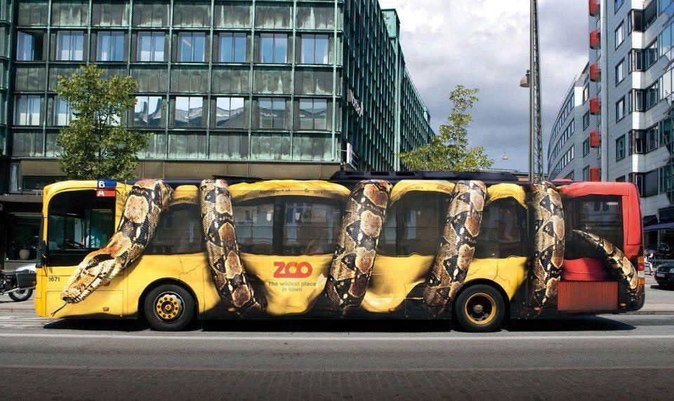 publicidad serpiente autobus