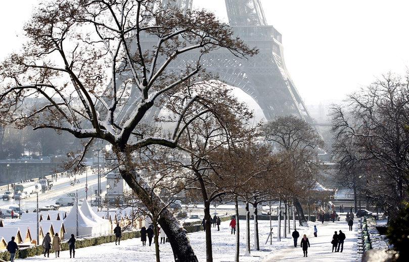 torre eiffel invierno