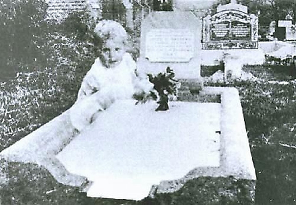 fantasma nino tumba