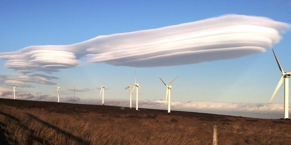 nubes lenticulares campo eolico oregon