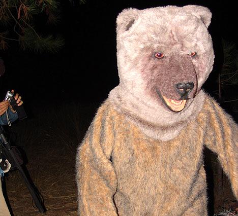 ultimo superviviente oso mentira