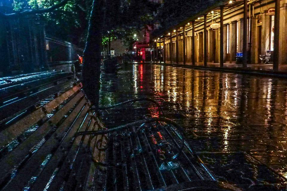 noche lluviosa nueva orleans