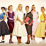 Juego de vestir con moda de los cincuenta