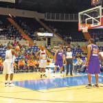 Juego con los héroes del basquet