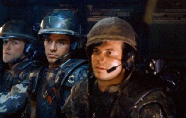 Michael Biehn Hicks and Bill Paxton Hudson