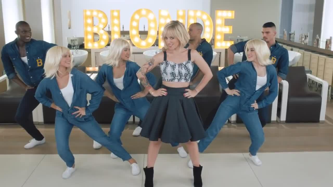 alizee blonde 09