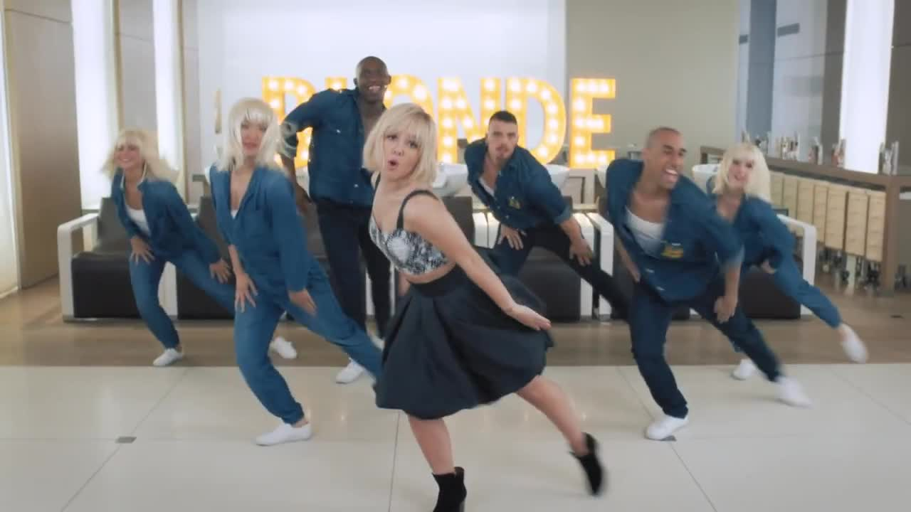 alizee blonde 20