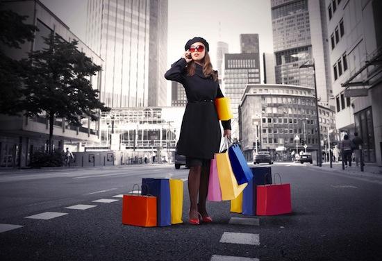 chica fashion shopping