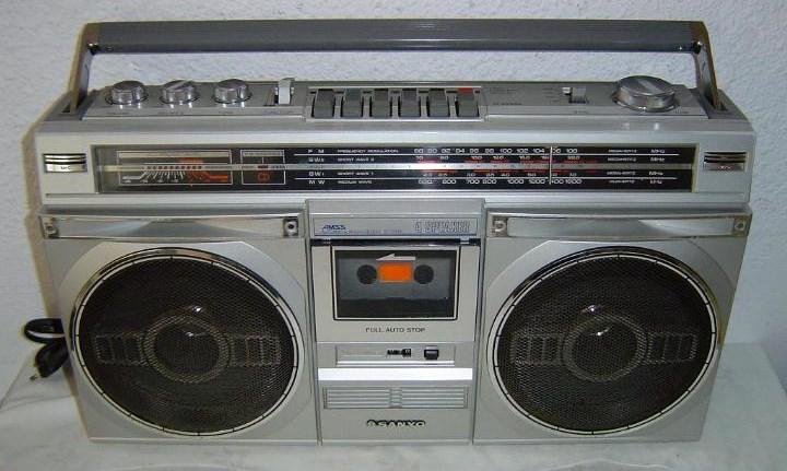 radiocasette Sanyo M-9935k