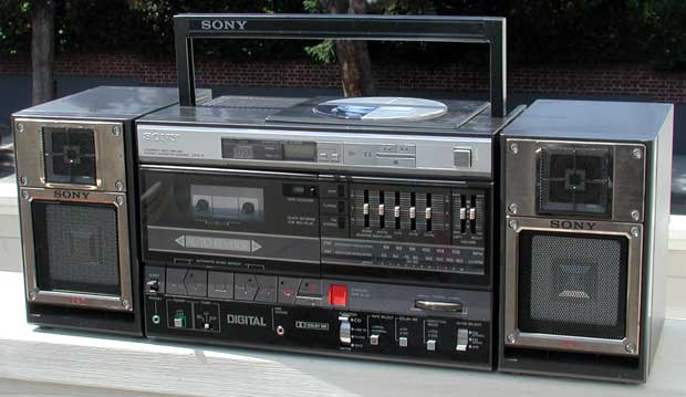 radiocasette Sony CFD-5 1986 primer radiocasete cd
