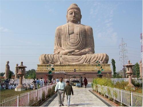 estatua buda bodhgaya