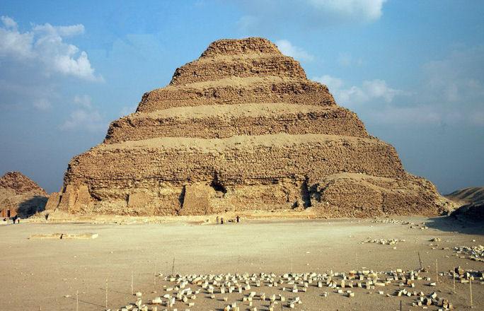 piramide saqqara
