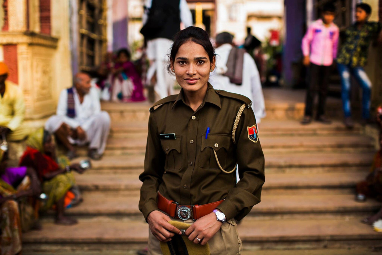 Mihaela Noroc mujer policia Pushkar India