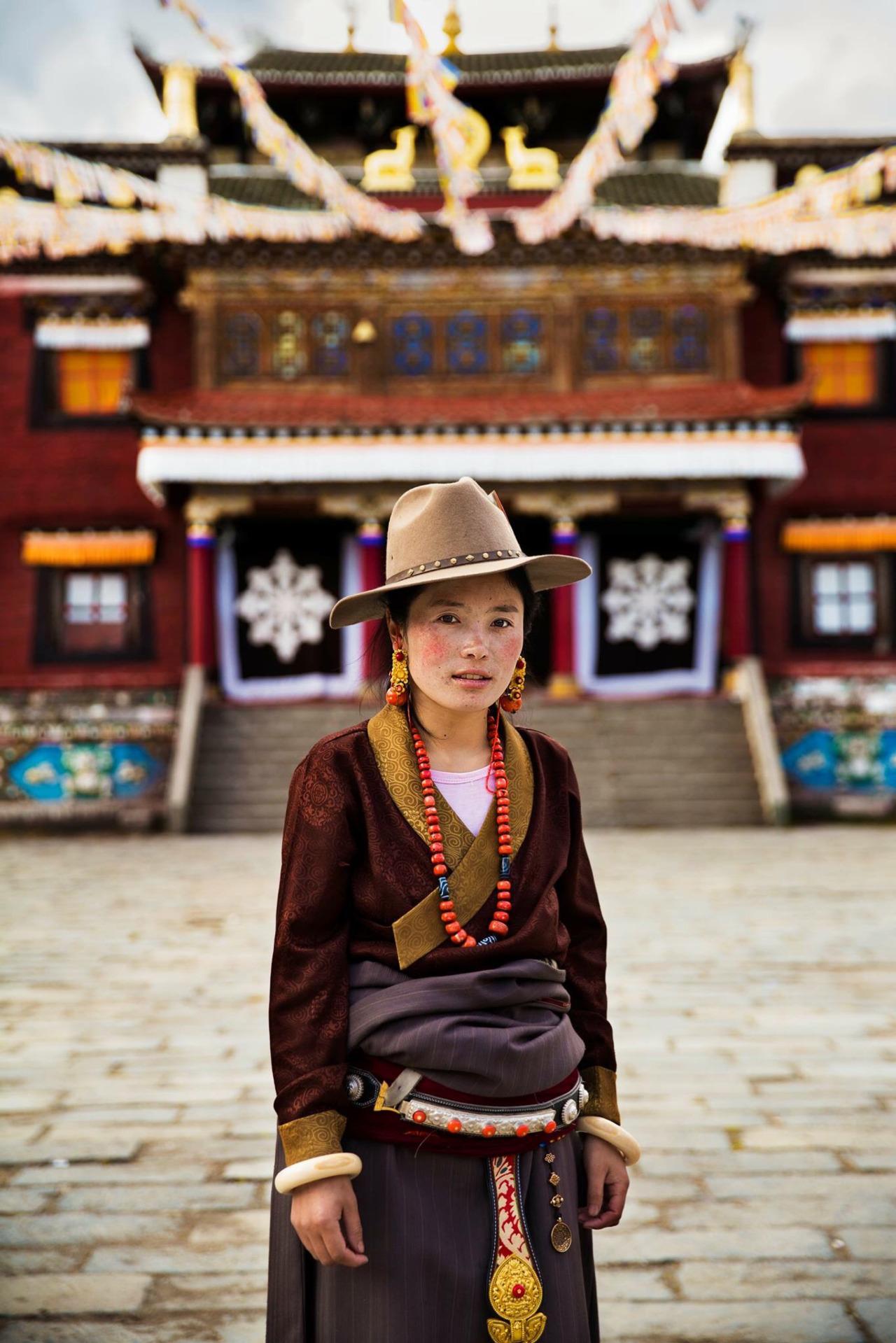 Mihaela Noroc tibetana provincia shichuan