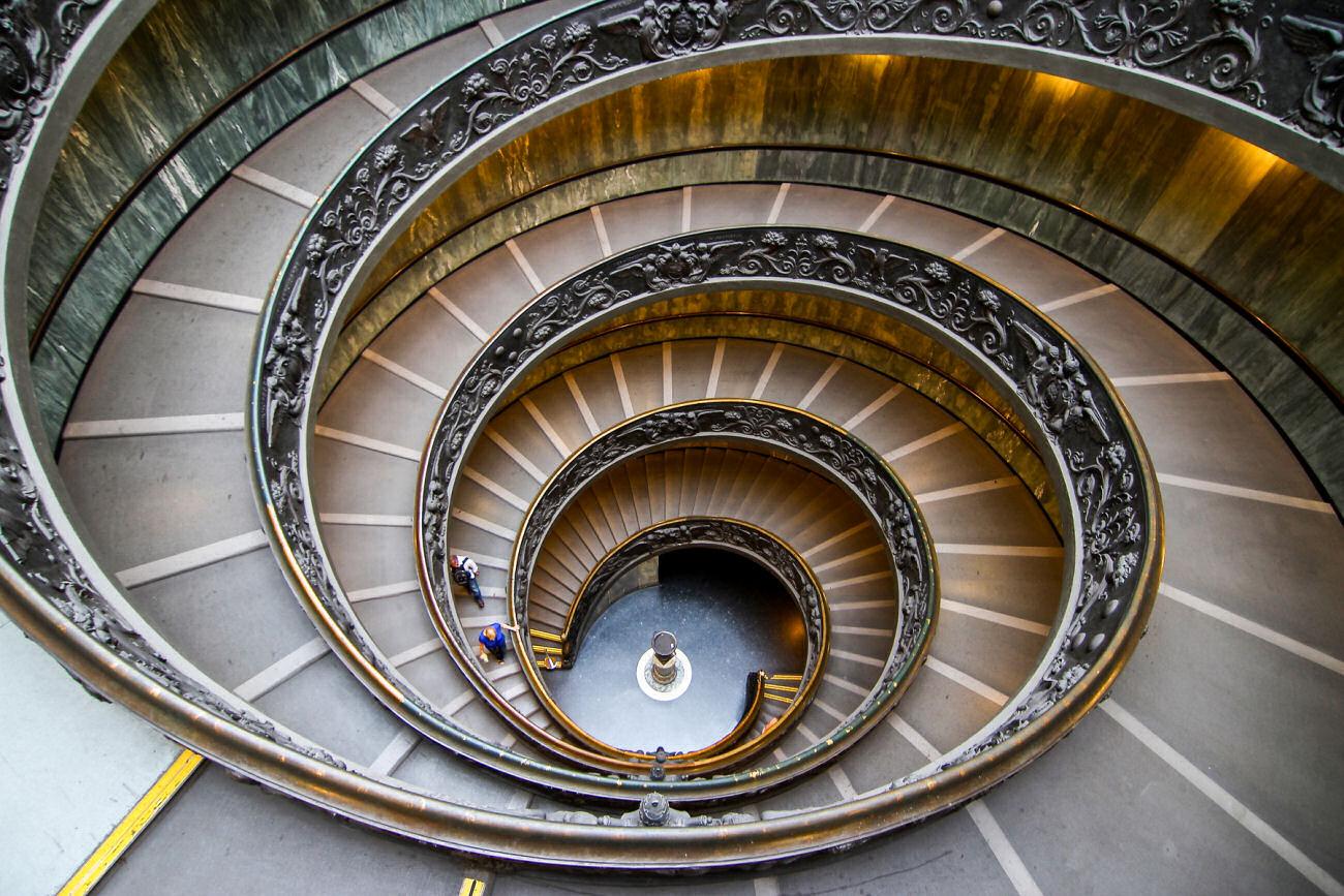 escalera bramante museos vaticanos