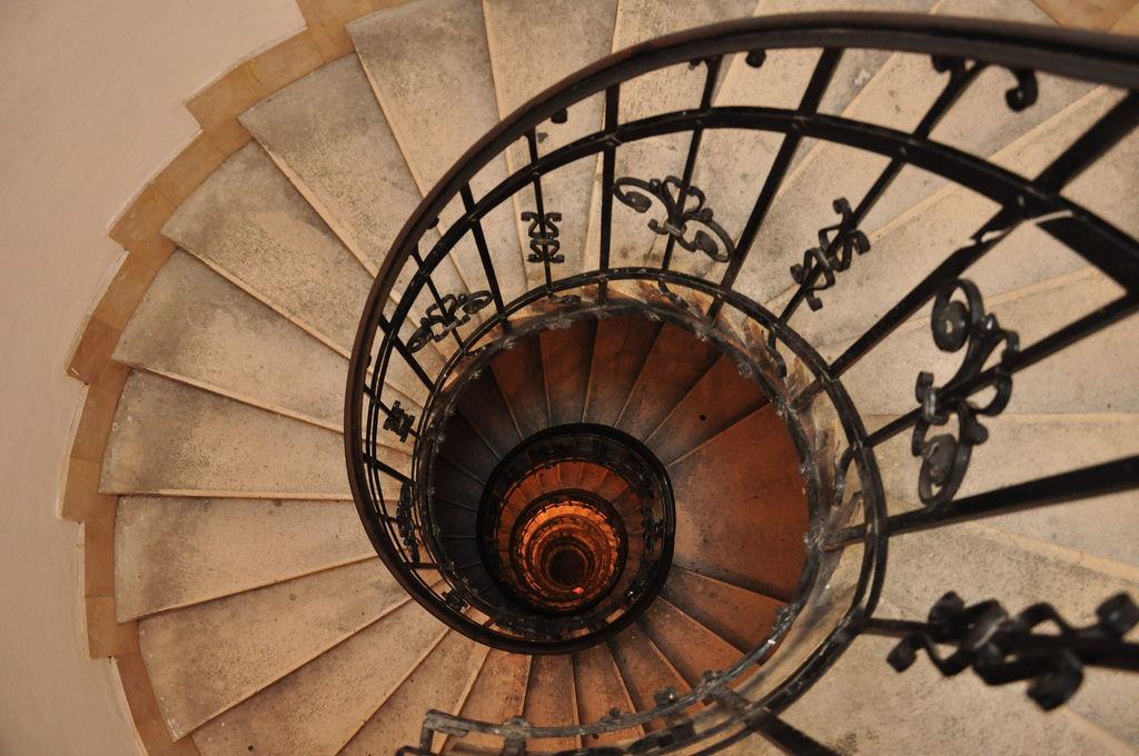 escaleras basilica san esteban budapest